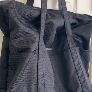 Baggallini Bags - Baggallini Carry-all Tote